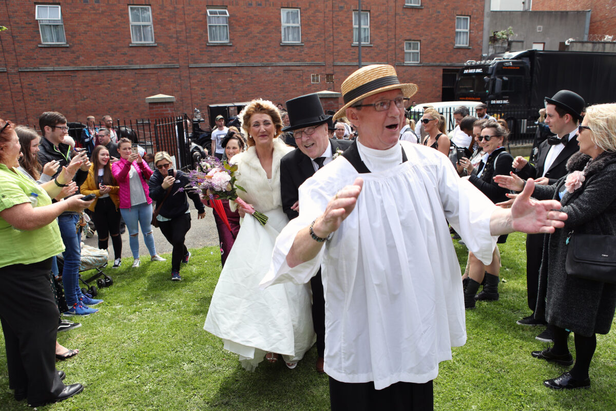 16/06/2017 CONOR Ó MEARÁIN - NO REPRO FEE BLOOMSDAYS IN THE MONTO PIC SHOWS: Joe Dowling leads Connie Murphy and Clllr. Christy Burke to their 'Monto wedding', part of a Ulysses Bloomsday re-enactment in Foley Park, Foley St, Dublin 1. PIC: CONOR Ó MEARÁIN - NO FEE